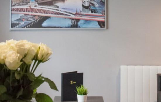 CAROLINE BURNETT PARISIAN OIL ON CANVAS V$3,000